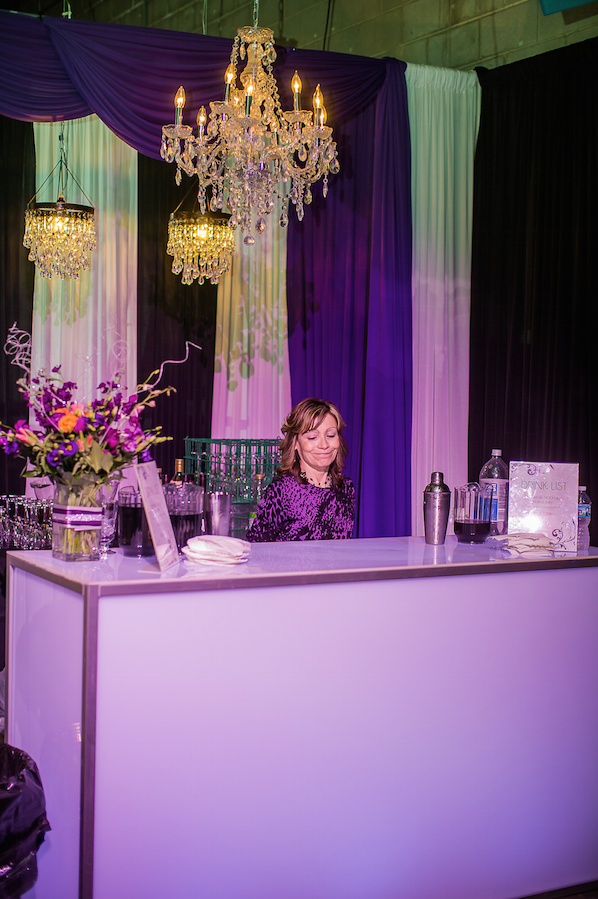Linda our Fabulous Bartender | Photo Courtesy Just Love Me Photography
