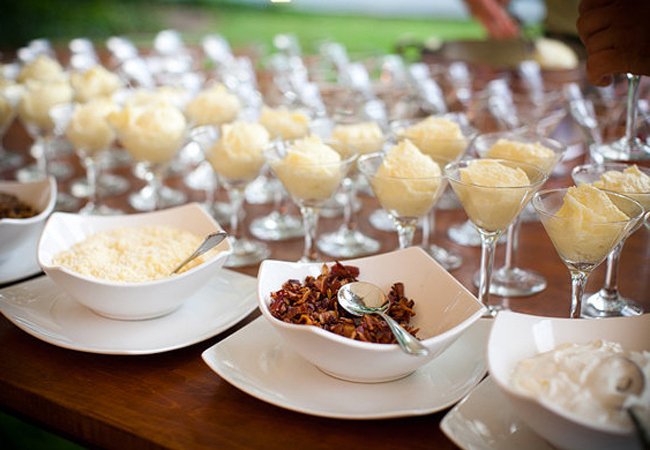 7 Late Night Food Bar Ideas for Your Wedding