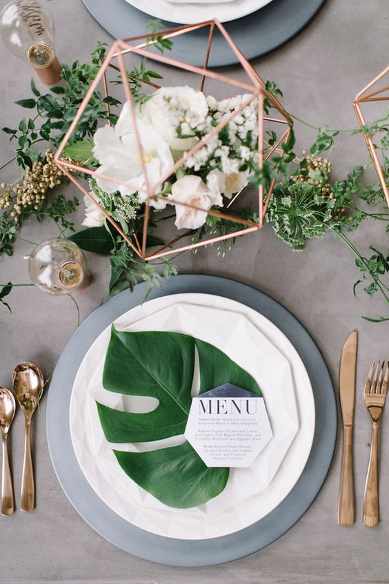 Green Table Setting & Decor